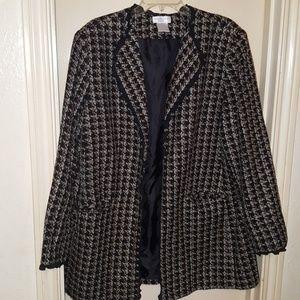 Beautiful tweed coat!